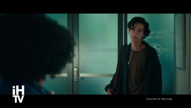 FIVE FEET APART - Cole Sprouse, Haley Lu Richardson & Moises Arias (Exclusive Interview)